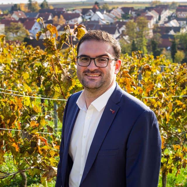 Daniel Krauß (SPD) zum neuen Ortsbürgermeister von Kleinkarlbach gewählt